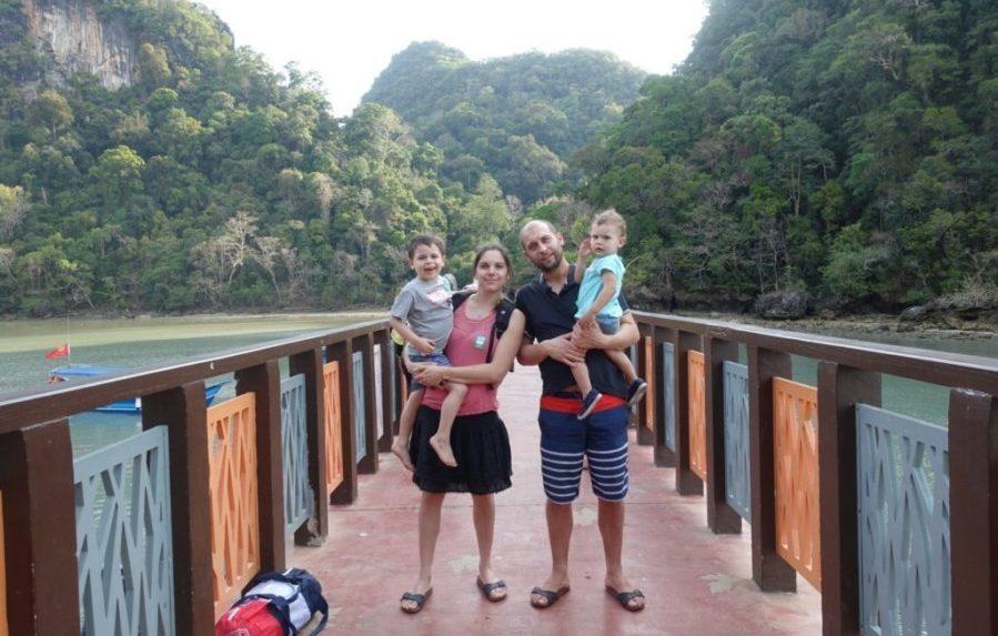 Enfant mer voyage malaisie famille copie
