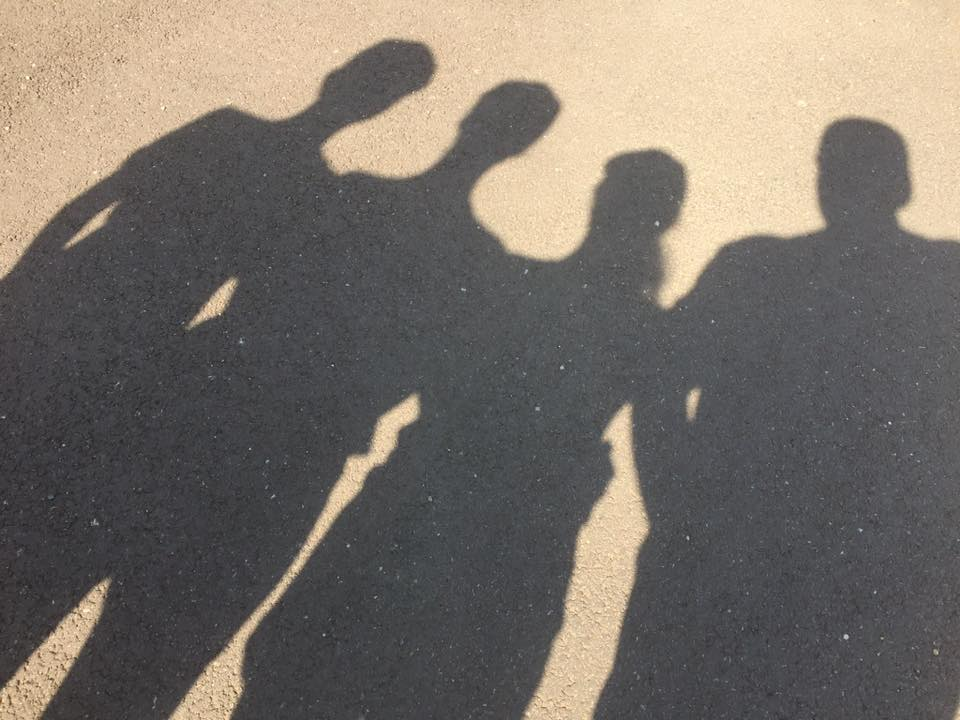 4 personnes ombre