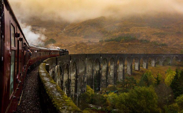 Jacobite Express train en ecosse