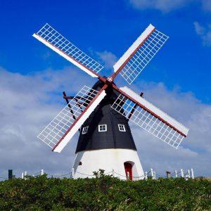 moulin blanc noir et rouge