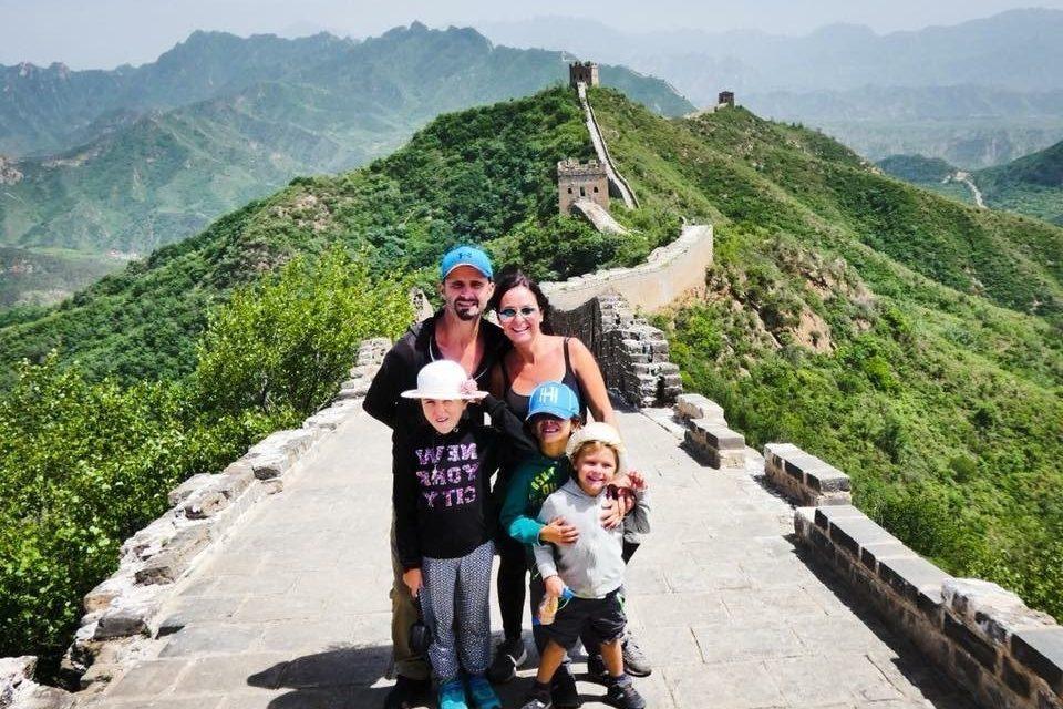famille sur muraille de chine