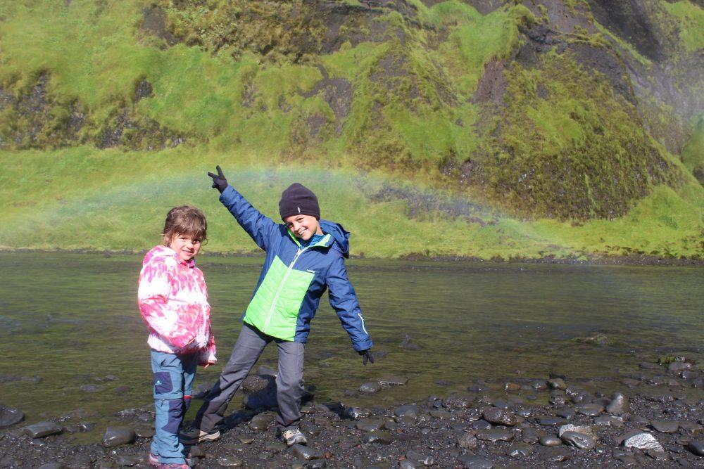 enfants arc en ciel islande