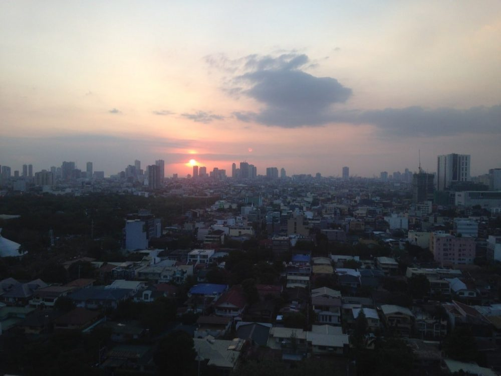 vue de manille coucher soleil