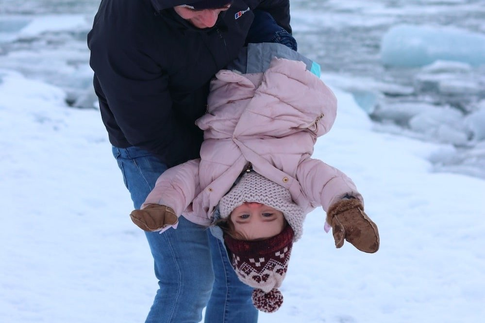 Road trip en hiver avec un enfan