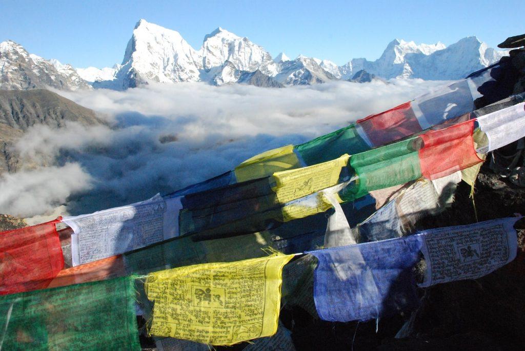 drapeau nepalais himalaya