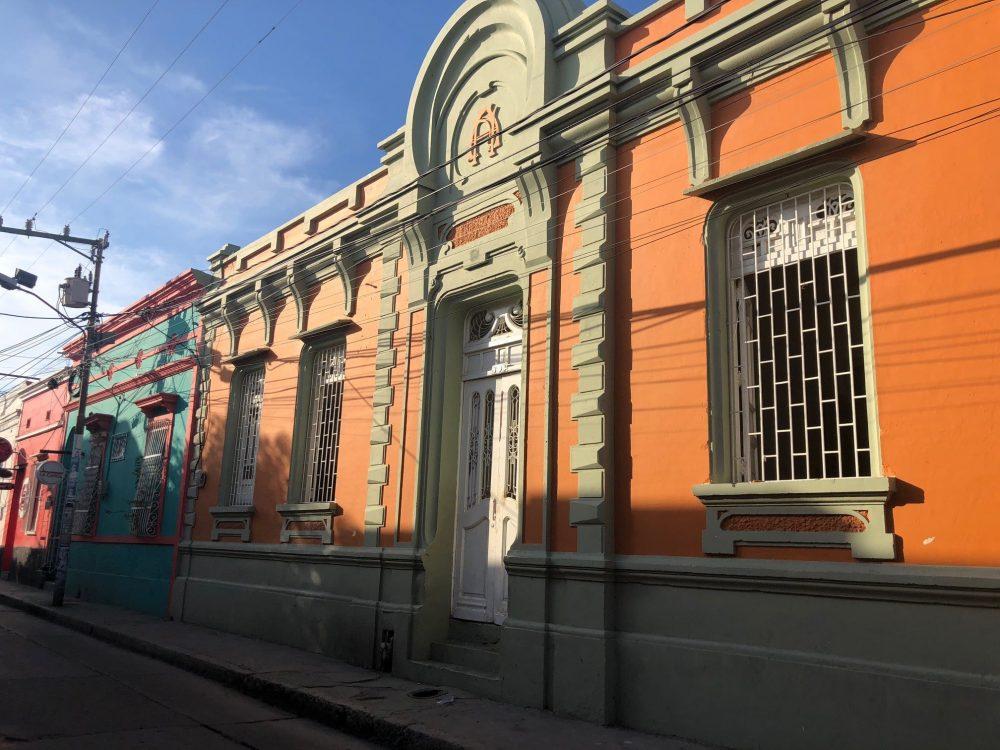 maison orange colombie
