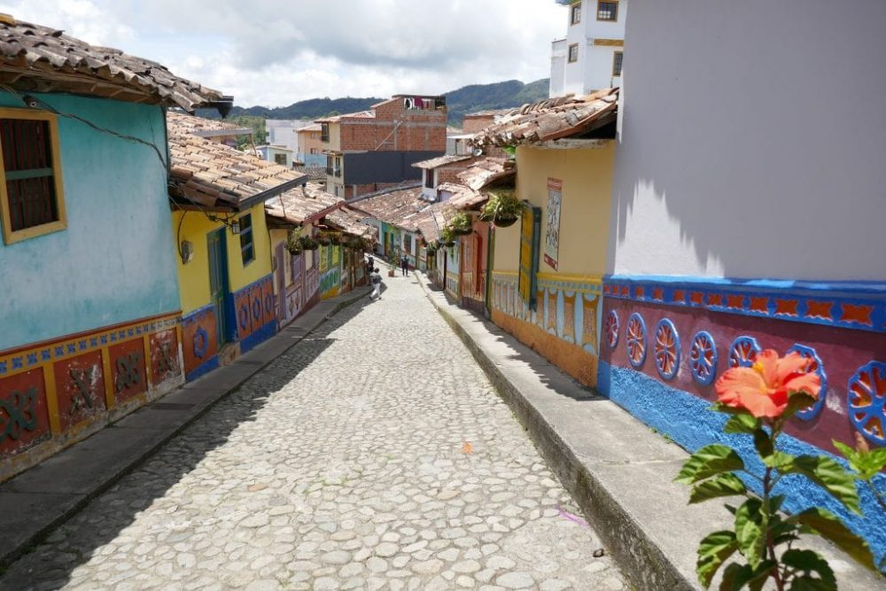 guatapé village coloré