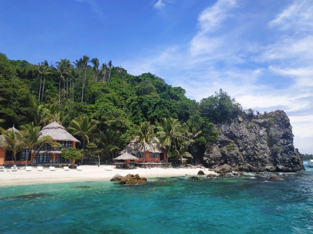 plage avec hotel aux philippines