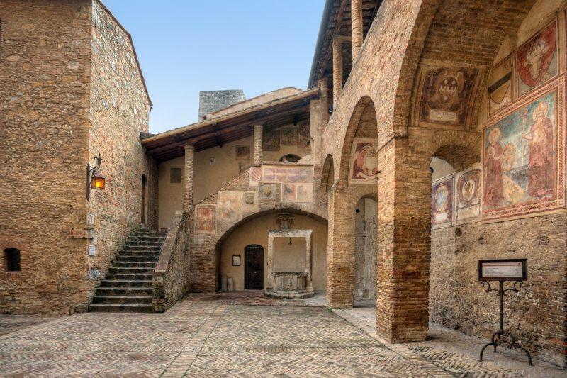 San gimignano en italie en toscane