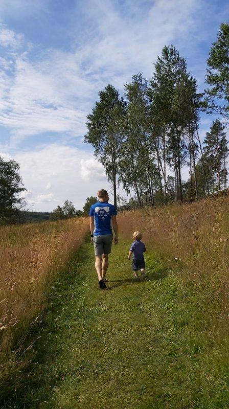 Promenade en famille en suède