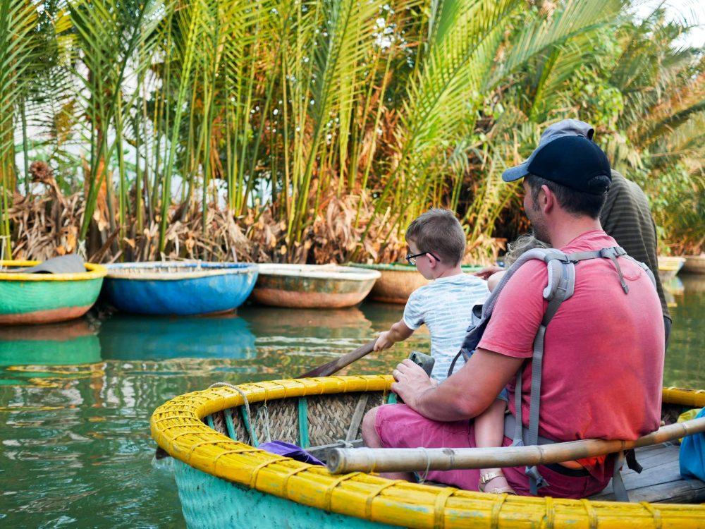 bateau coconut hoi an en famille