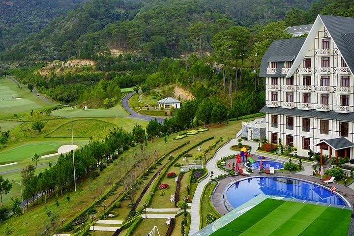 hotel inspiration francaise dalat vietnam