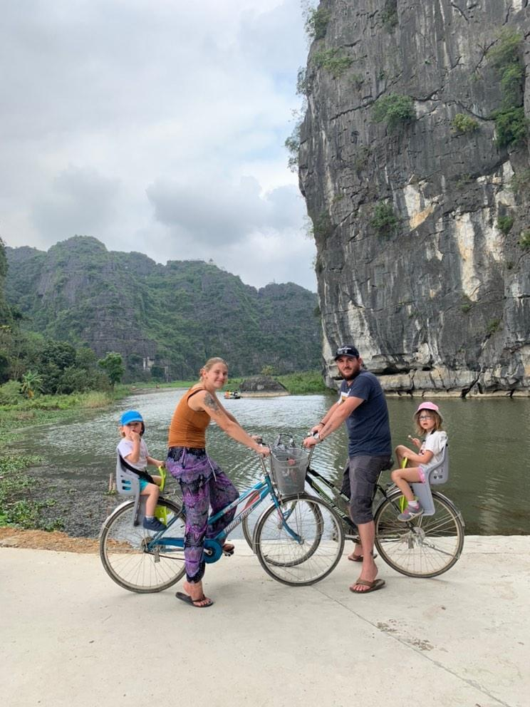 tam coc famille a velo