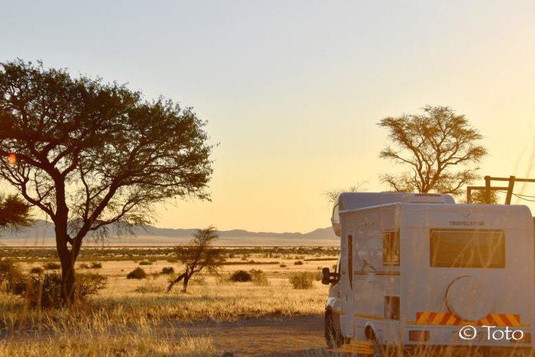 coucher soleil savane camping car