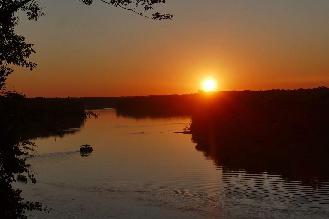 sunset amazonie au pérou