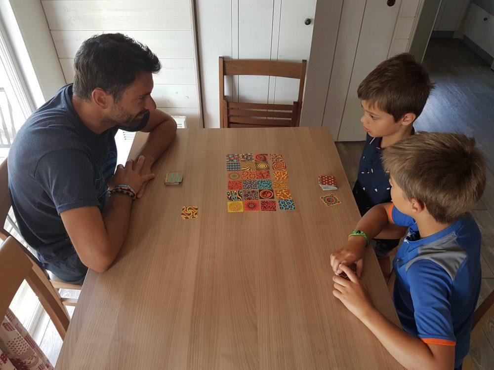 jeu twin it enfant voyage en famille