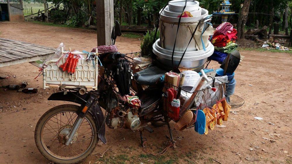 marchant ambulant au laos voyage en famille