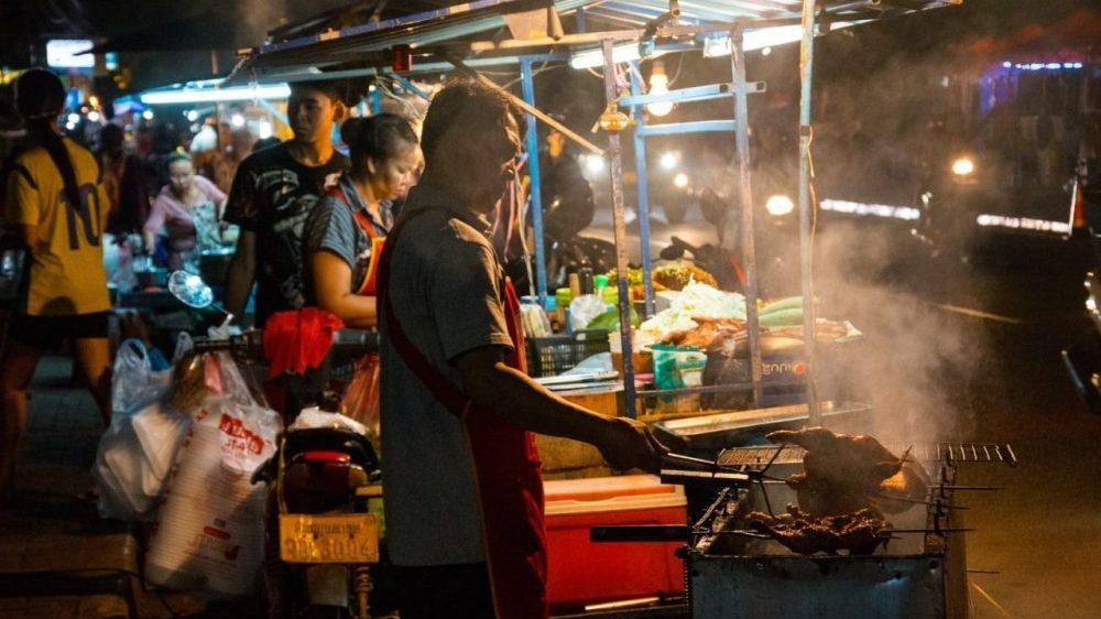 marché de nuit au laos voyage en famille