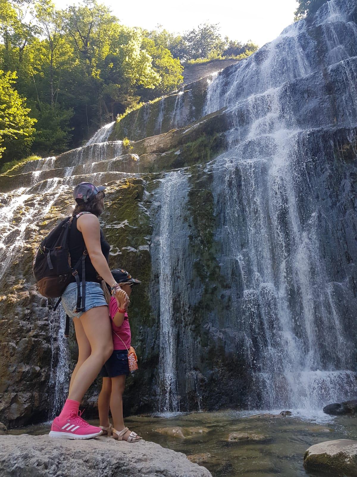 cascades du hérisson Jura france voyage en famille