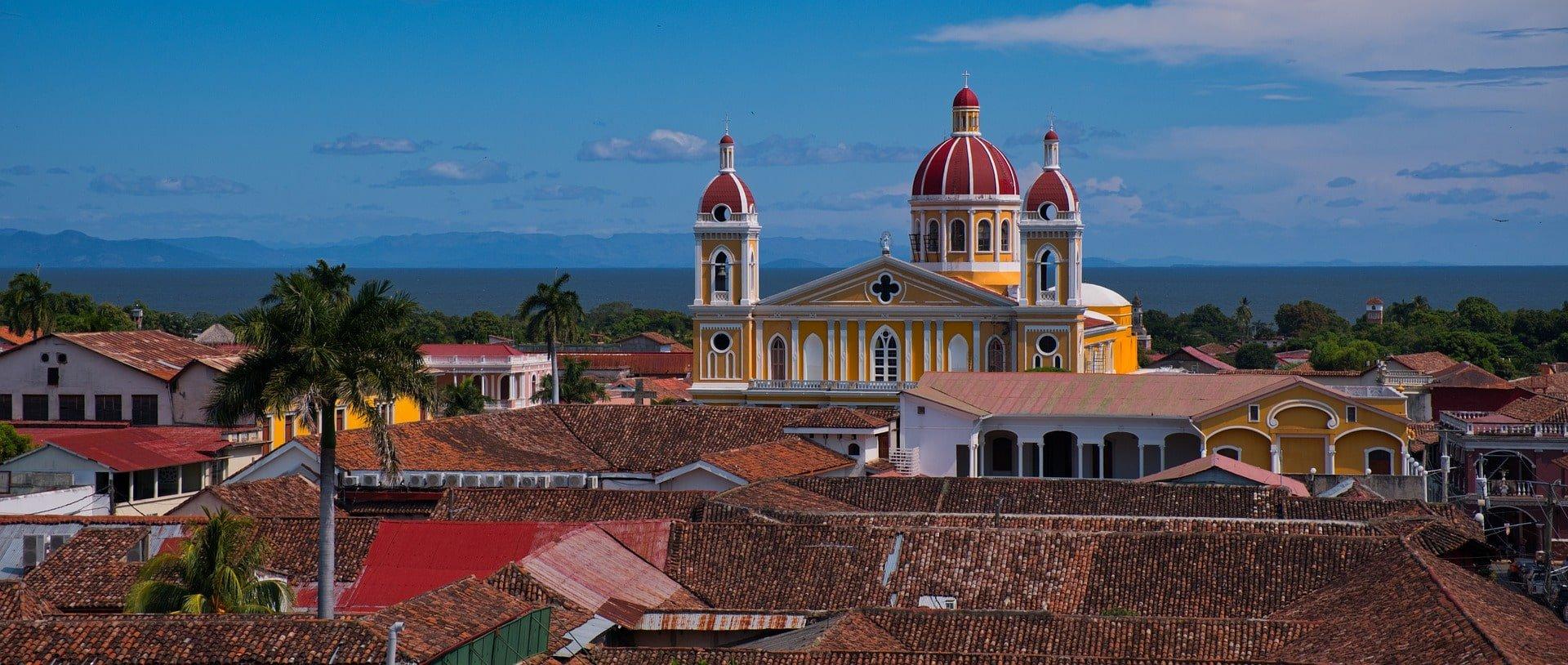 ville avec cathédrale nicaragua voyage en famille