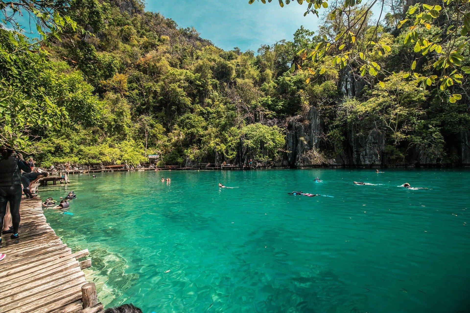 lagon baignade aux philippines voyage famille