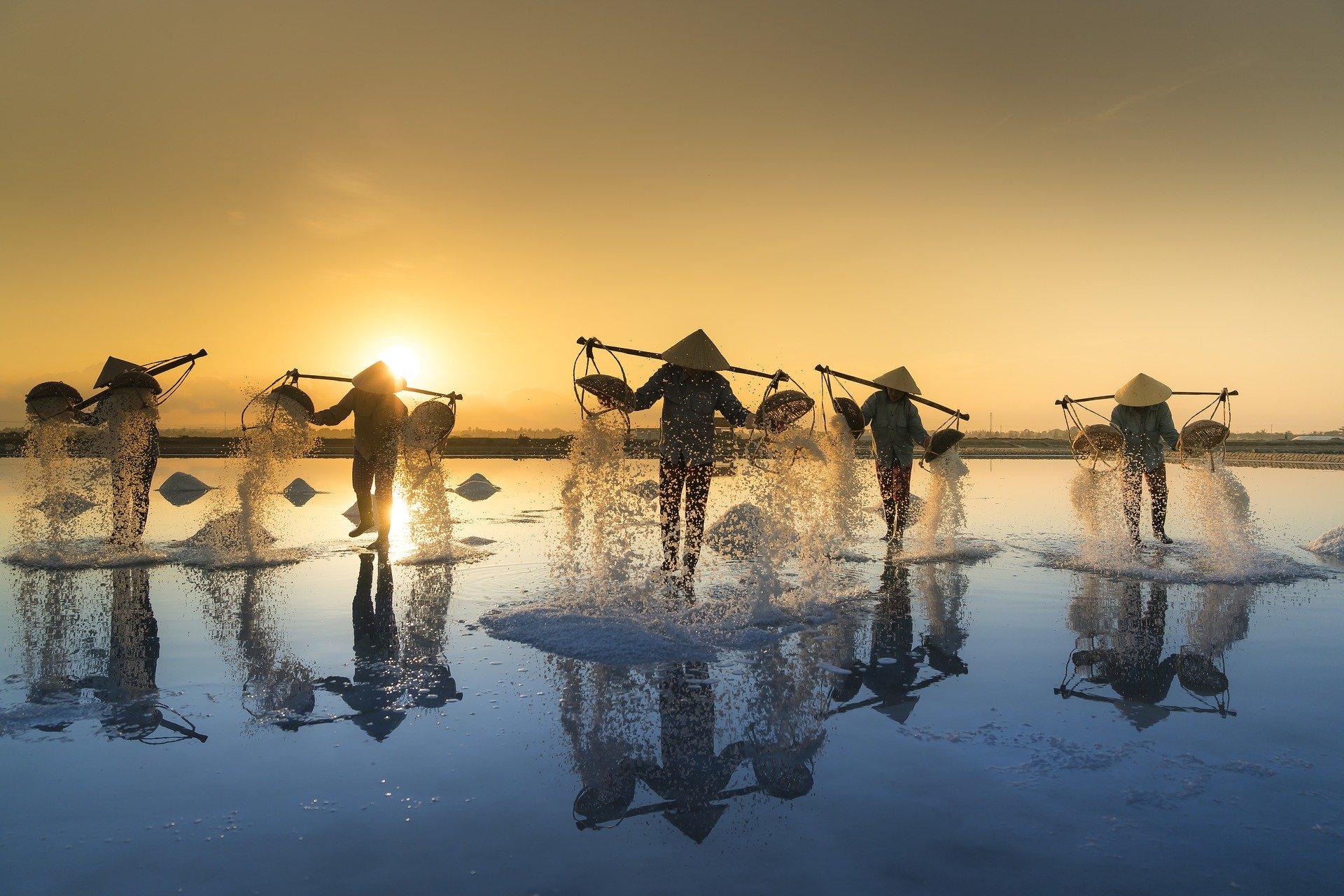 pêcheurs sunset vietnam voyage en famille