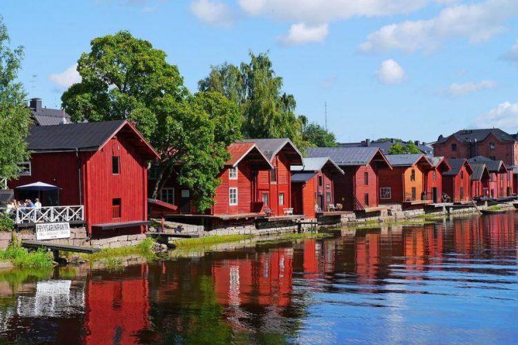 ville en bois de Poorvo finlande voyage en famille