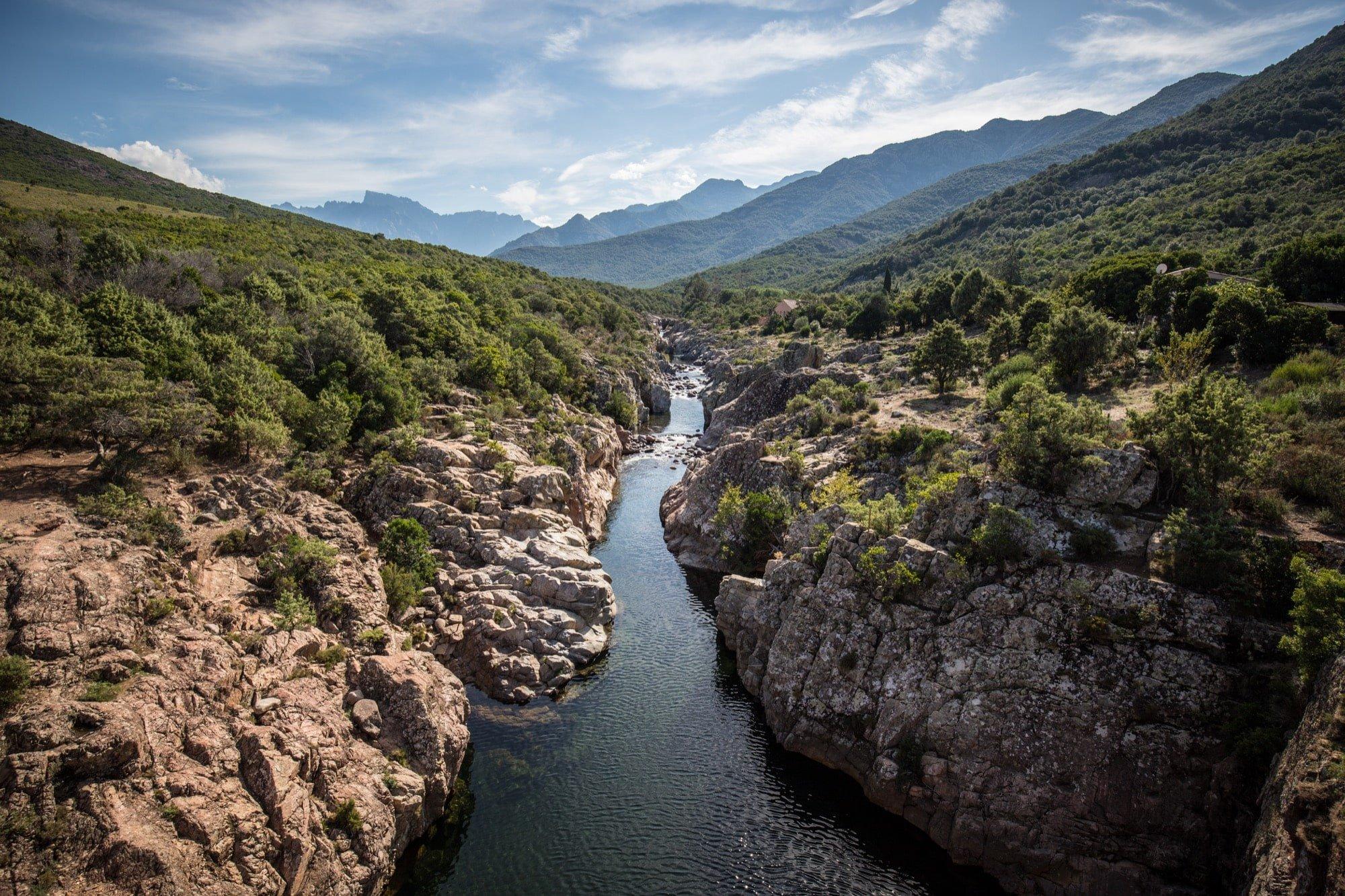vallée de la rivière fongo en corse