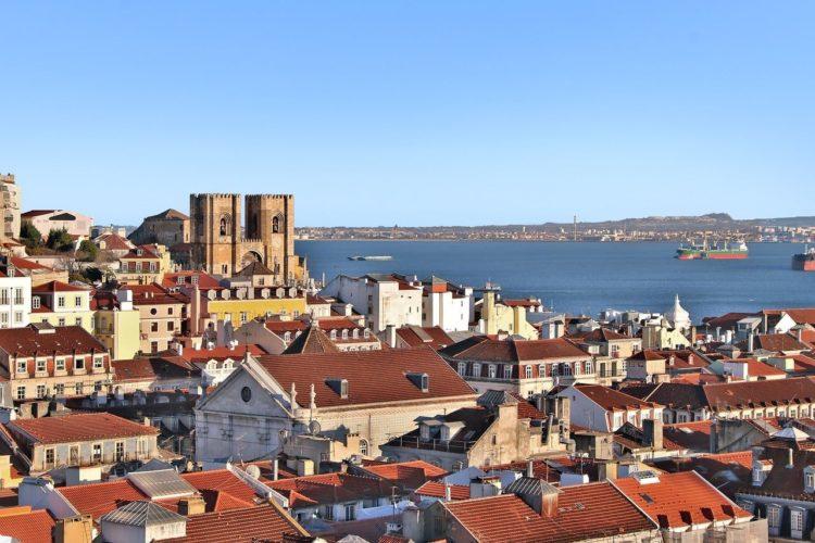 Vue sur la mer depuis lisbonne au portugal