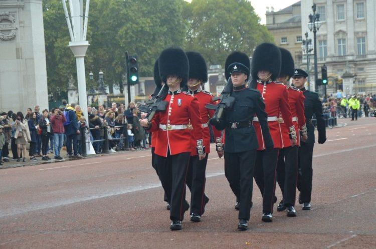 relève de la garde à Londres en angleterre