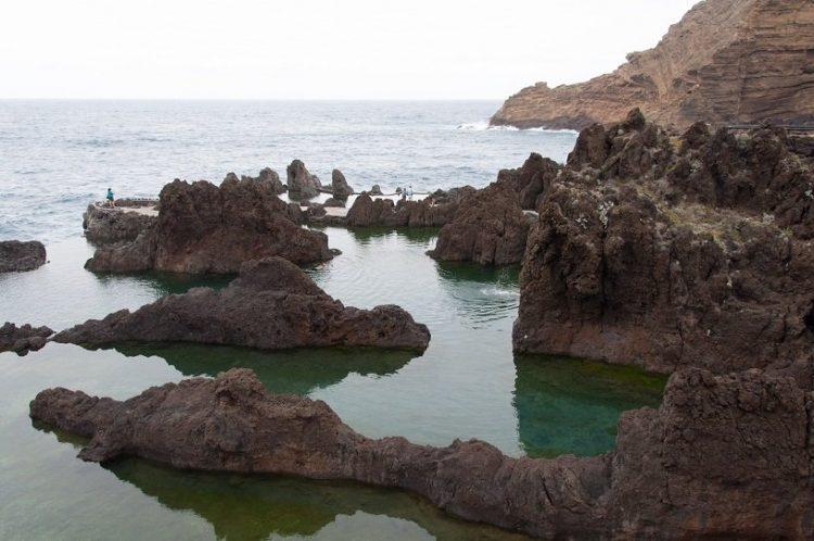 plage de rochers à madeire