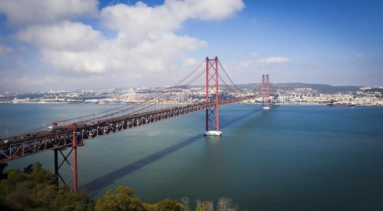 pont 25 abril à Lisbonne au portugal voyage