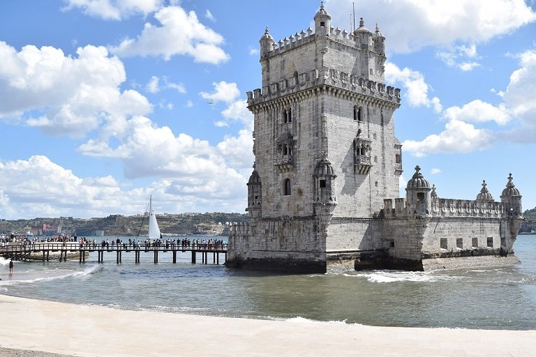 tour de belem à lisbonne portugal
