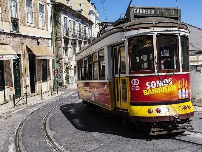 tram lisbonne voyage portugal en famille