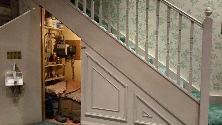 studio chambre sous escalier harry potter
