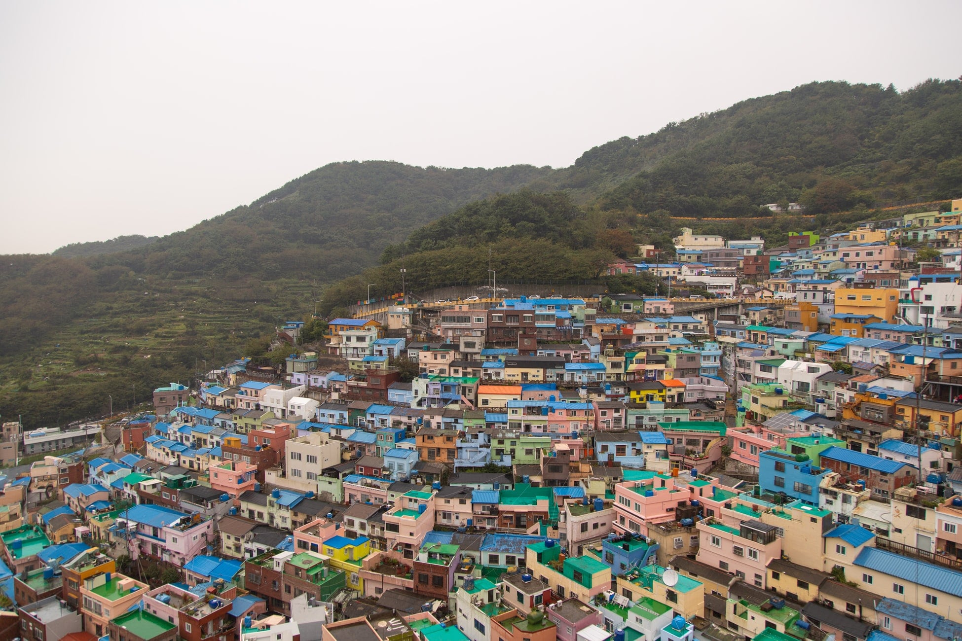 maisons sur une colline en corée du sud
