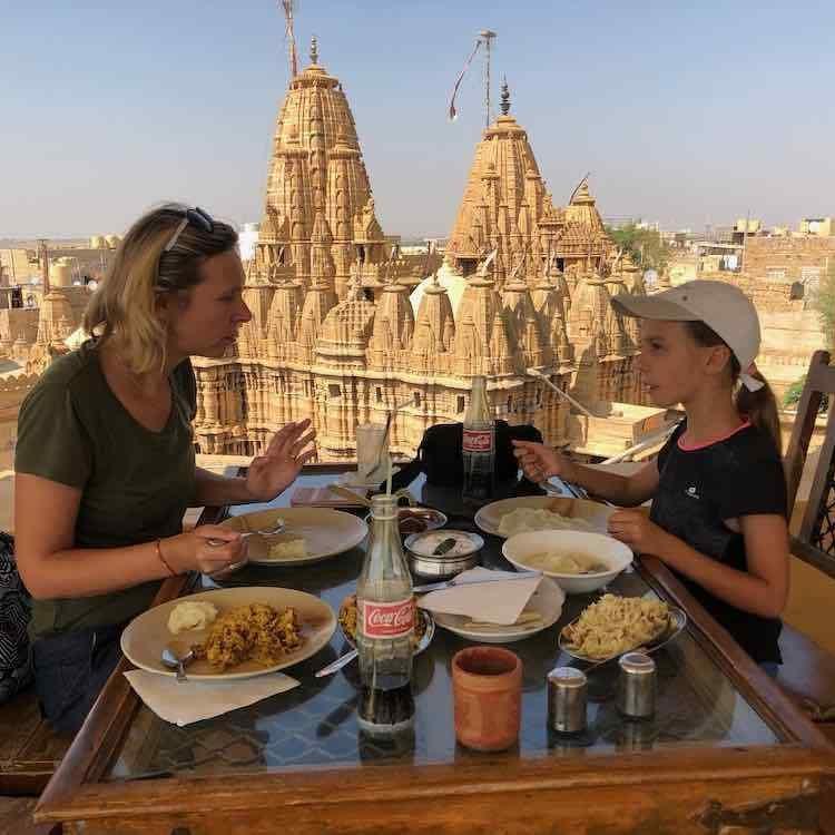 temple jaisalmer rajasthan voyage famille