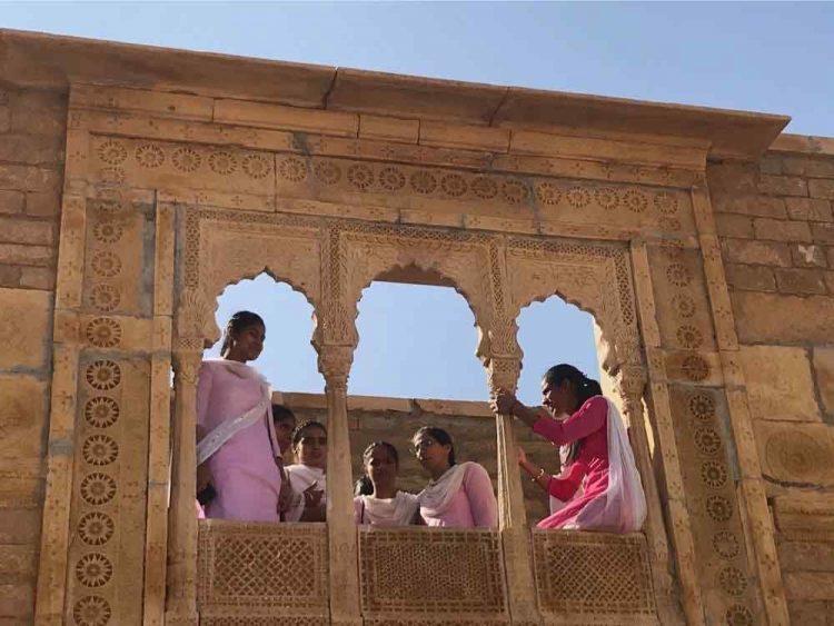 femmes indiennes à jaisalmer