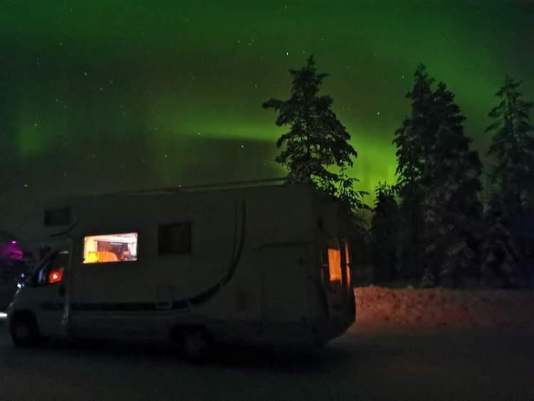 aurores boreales hiver finlande