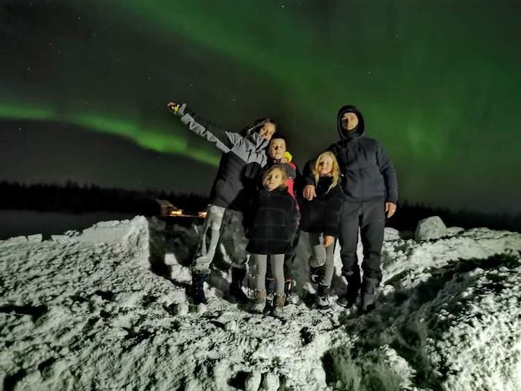 famille en finlande en hiver