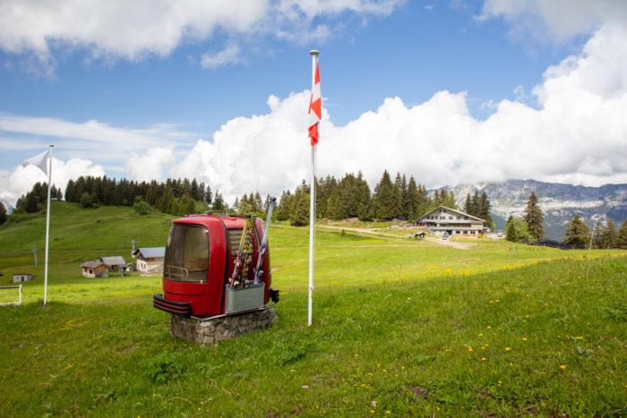vacances en haute savoie en famille cabine ski
