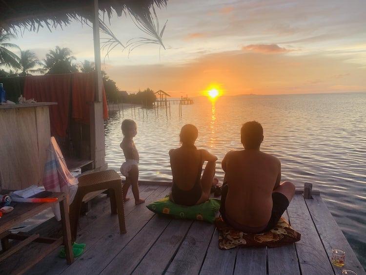 coucher soleil arborek raja ampat