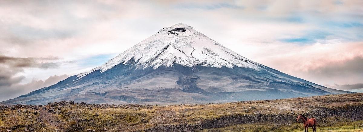 paysage de volcan en equateur