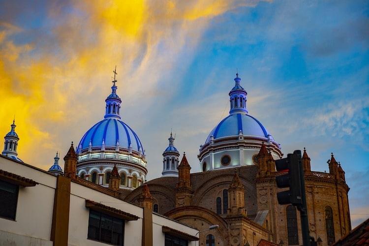 cathedrale cuenca equateur