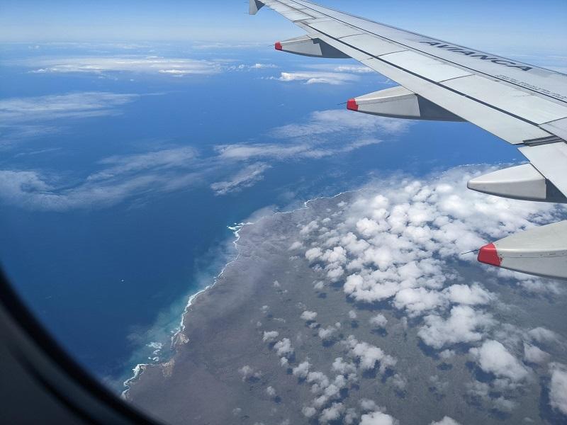 voyage galapagos famille transports vue aérienne avion