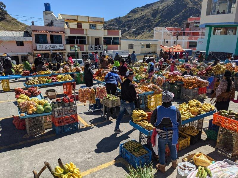 quilotoa famille marché zumbahua