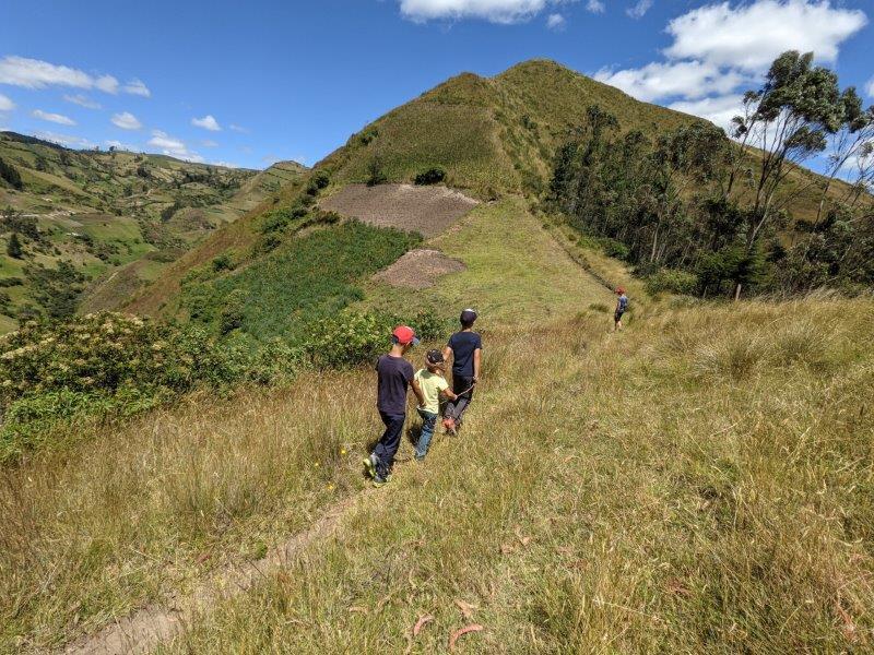 randonnées boucle quilotoa famille isinlivi